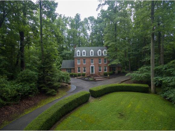 2039 Ridgeview Drive, Big Stone Gap, VA 24219 (MLS #409050) :: Highlands Realty, Inc.