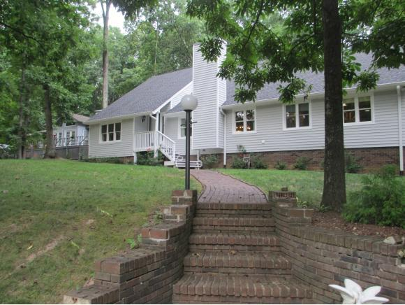 710 Dover Ave, Mt Carmel, TN 37645 (MLS #409770) :: Griffin Home Group