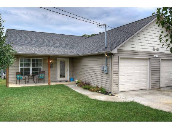 1313 Patrick Drive #1, Johnson City, TN 37601 (MLS #409782) :: Griffin Home Group