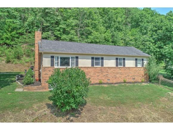 102 Price Rd, Rogersville, TN 37857 (MLS #409940) :: Griffin Home Group