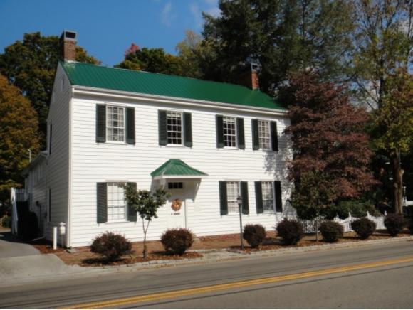 239 Valley St NE, Abingdon, VA 24210 (MLS #410018) :: Conservus Real Estate Group