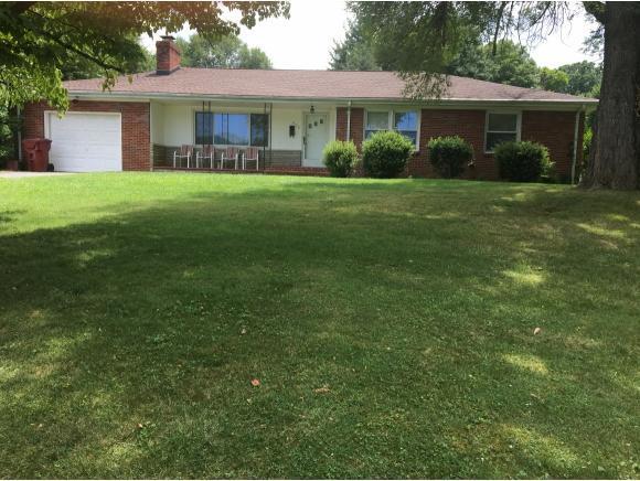802 Hillmoor Drive, Johnson City, TN 37601 (MLS #410027) :: Highlands Realty, Inc.