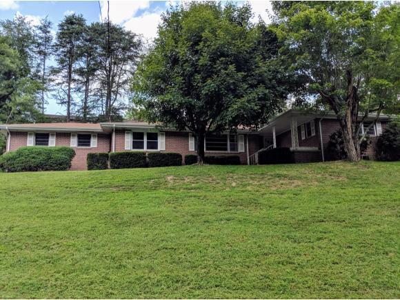 105 Hidden Valley Rd, Bristol, TN 37620 (MLS #411208) :: Highlands Realty, Inc.