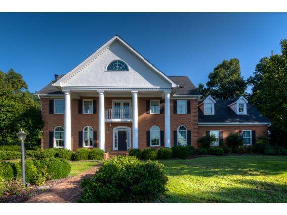 420 North Pinecrest Lane, Bristol, VA 24201 (MLS #411829) :: Highlands Realty, Inc.