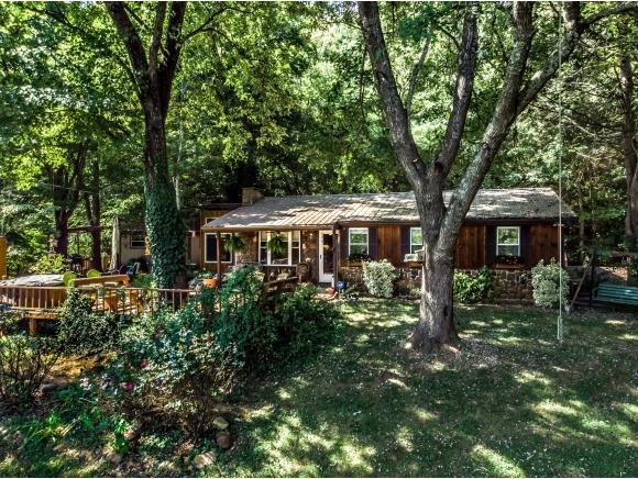 1672 Browns Bridge Rd, Greeneville, TN 37745 (MLS #411888) :: Highlands Realty, Inc.