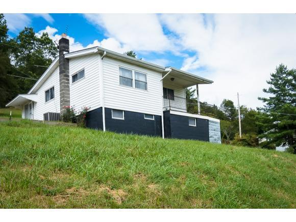 556 Fincastle Road, Lebanon, VA 24266 (MLS #412576) :: Highlands Realty, Inc.