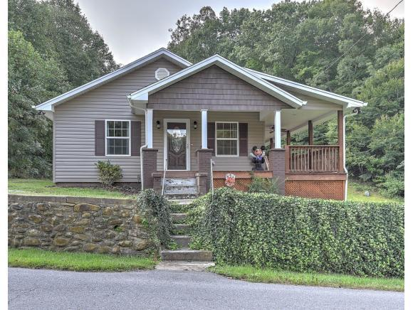 394 Browns Branch Road, Hampton, TN 37658 (MLS #412833) :: Highlands Realty, Inc.