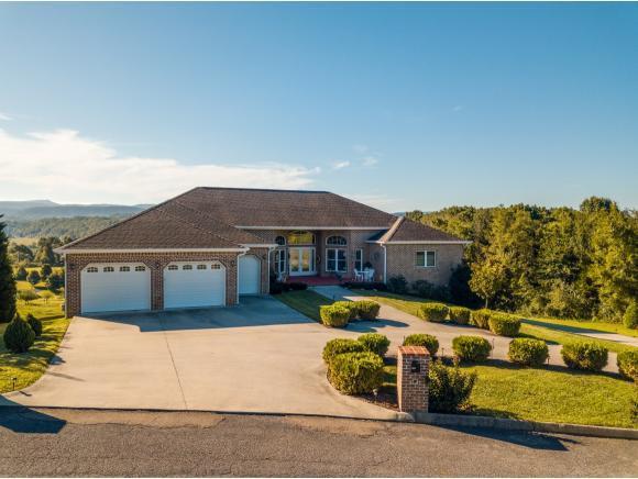 231 Roanoke Drive, Surgoinsville, TN 37873 (MLS #412870) :: Conservus Real Estate Group