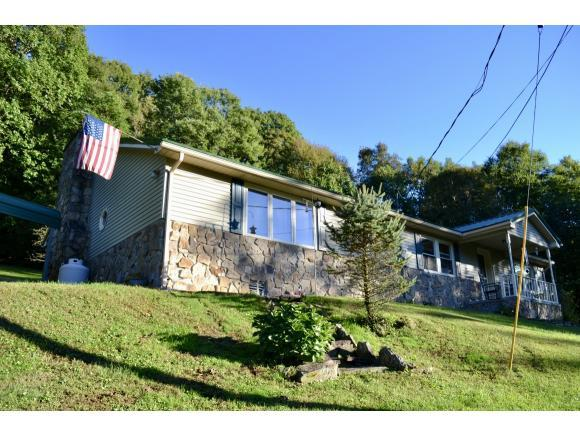 5100 Chandler Road, Big Stone Gap, VA 24219 (MLS #413285) :: Griffin Home Group