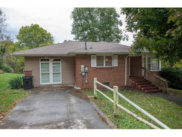 125 Ridge Road, Bristol, TN 37620 (MLS #413777) :: Highlands Realty, Inc.