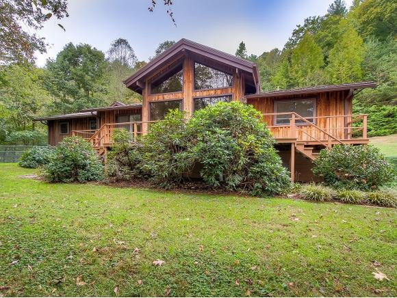 301 Hickory Hill, Erwin, TN 37650 (MLS #413808) :: Griffin Home Group