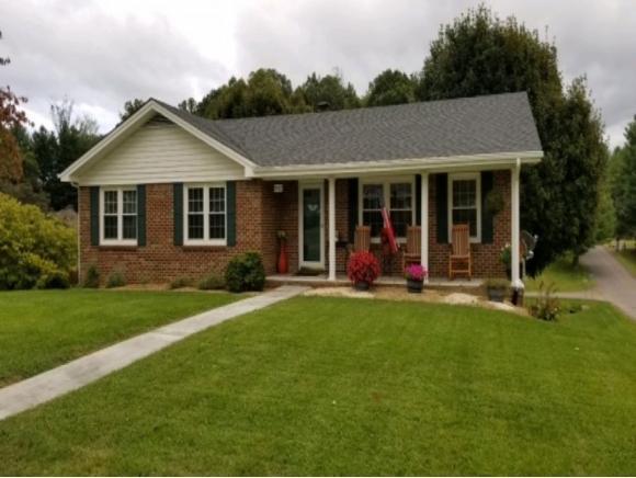 19412 Johnson Drive, Abingdon, VA 24211 (MLS #413860) :: Highlands Realty, Inc.