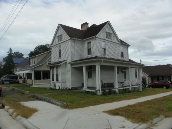 703 Goodson Street, Bristol, VA 24201 (MLS #413865) :: Conservus Real Estate Group