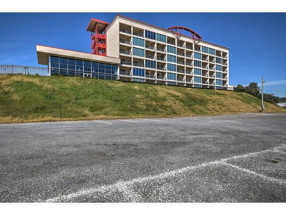 120 Raceday Center Drive #402, Bristol, TN 37620 (MLS #413975) :: Griffin Home Group