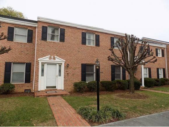 2734 Oakland Ave E #47, Johnson City, TN 37601 (MLS #414731) :: Highlands Realty, Inc.