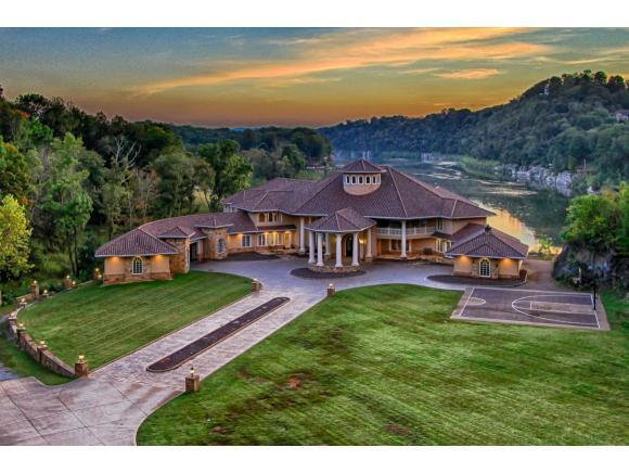 153 Jamestown Drive, Piney Flats, TN 37686 (MLS #415089) :: Highlands Realty, Inc.