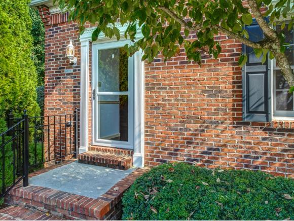 615 Franklin Square Court #A A, Johnson City, TN 37604 (MLS #415275) :: Griffin Home Group
