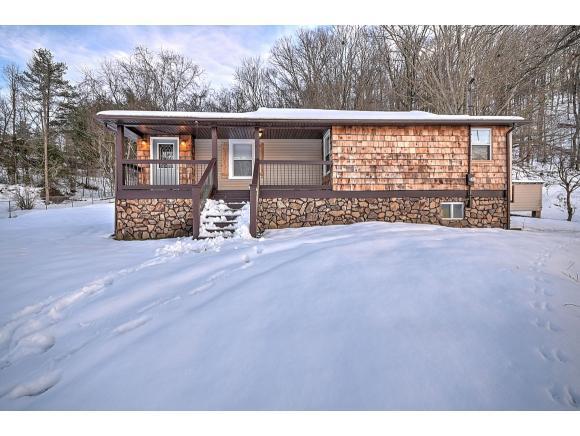 3801 Glen Alpine Road, Kingsport, TN 37663 (MLS #415829) :: Highlands Realty, Inc.