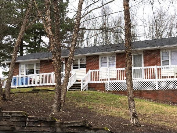 1112 Carroll Creek Rd, Johnson City, TN 37601 (MLS #416096) :: Griffin Home Group