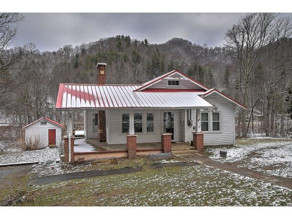 667 Hampton Creek Rd., Roan Mountain, TN 37687 (MLS #416619) :: Conservus Real Estate Group
