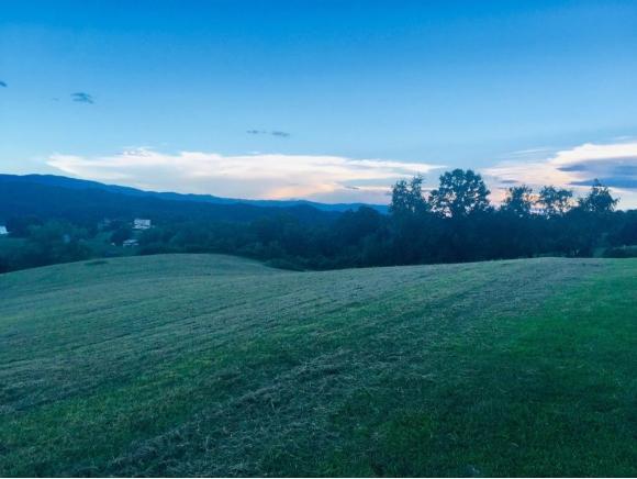 TBD Skyward Drive, Abingdon, VA 24211 (MLS #416845) :: Highlands Realty, Inc.