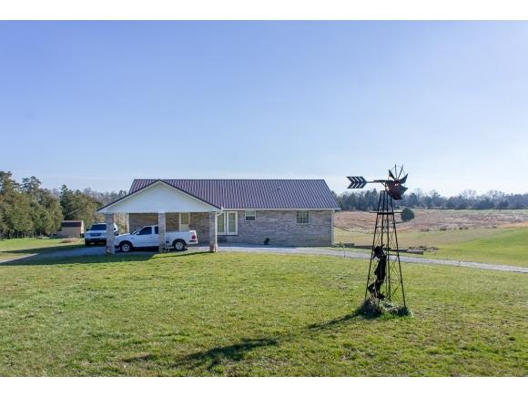 2544 Weems Chapel Road, Mosheim, TN 37818 (MLS #417000) :: Highlands Realty, Inc.