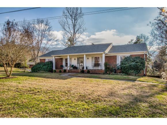 2001 Lynnwood Rd., Kingsport, TN 37660 (MLS #417820) :: Highlands Realty, Inc.