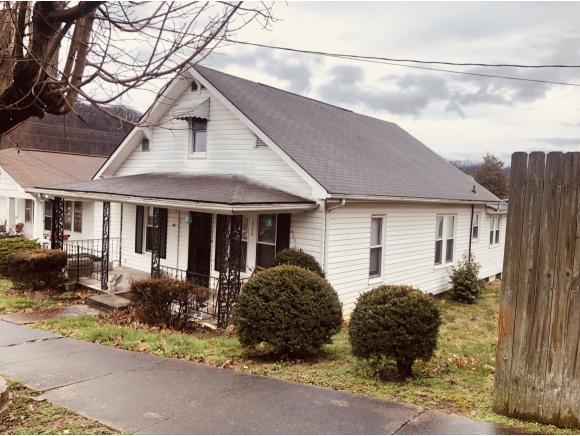 806 Tipton St, Elizabethton, TN 36743 (MLS #418059) :: Bridge Pointe Real Estate