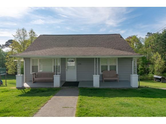 855 Emmett Rd, Bristol, TN 37620 (MLS #420328) :: Highlands Realty, Inc.