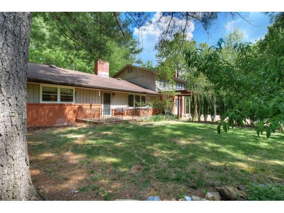 1413 Strawberry Ln, Johnson City, TN 37604 (MLS #421079) :: Highlands Realty, Inc.