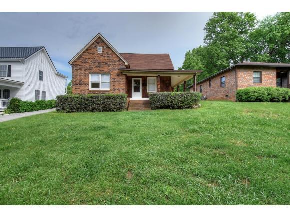 905 E. Chilhowie Avenue, Johnson City, TN 37601 (MLS #421421) :: Highlands Realty, Inc.
