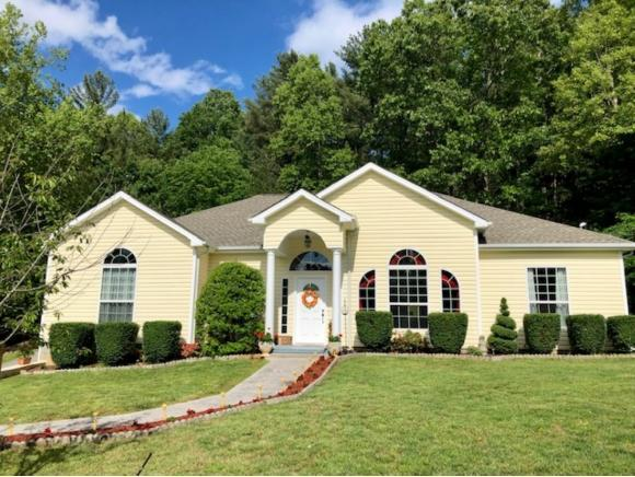 211 Big Bear Lane, Jonesborough, TN 37659 (MLS #421615) :: Highlands Realty, Inc.