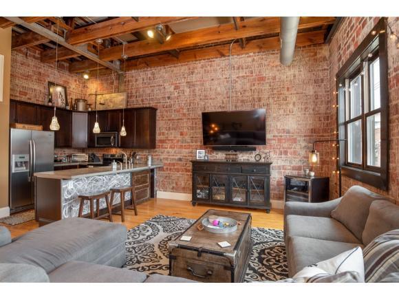 217 Broad Street #200, Kingsport, TN 37660 (MLS #421882) :: Bridge Pointe Real Estate