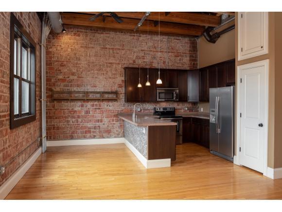 217 Broad Street #202, Kingsport, TN 37660 (MLS #421885) :: Bridge Pointe Real Estate