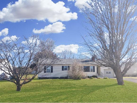 17 Circle Drive, Bristol, VA 24201 (MLS #422009) :: Conservus Real Estate Group