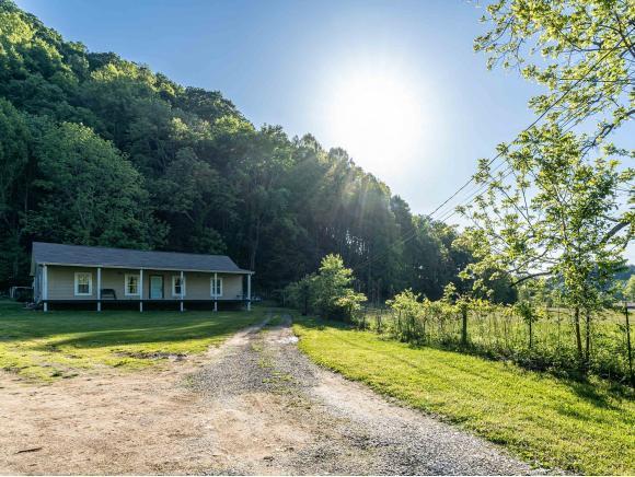 350 Keenburg Rd, Bluff City, TN 37618 (MLS #422472) :: Bridge Pointe Real Estate