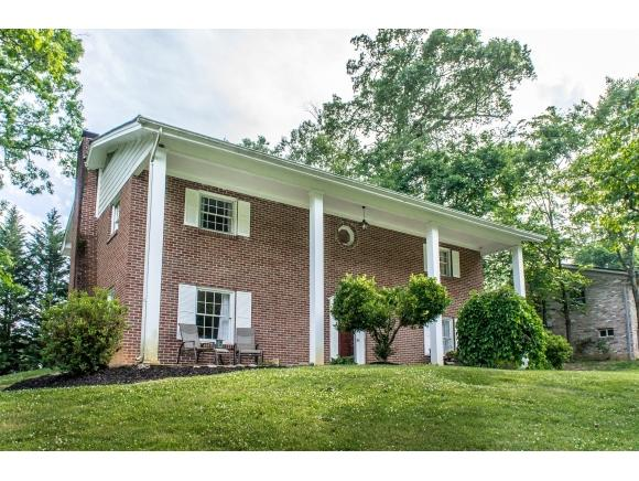 214 Dogwood Dr, Greeneville, TN 37745 (MLS #422499) :: Highlands Realty, Inc.