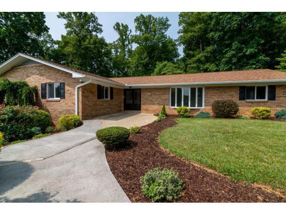 261 Rollin Hills Private Drive, Blountville, TN 37617 (MLS #422675) :: Bridge Pointe Real Estate