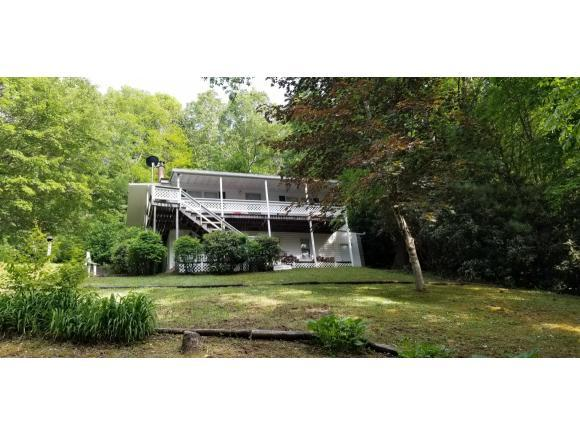 400 Old Chestnut Mountain Rd, Newland, NC 28657 (MLS #422812) :: The Baxter-Milhorn Group