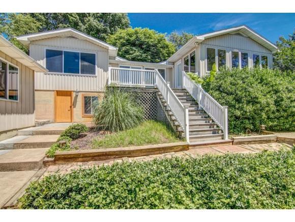 396 Lakeview St., Bluff City, TN 37618 (MLS #422902) :: Bridge Pointe Real Estate