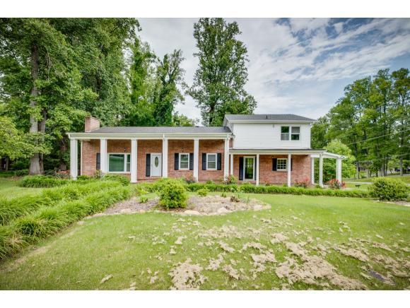 201 Robin Rd, Bristol, TN 37620 (MLS #423003) :: Highlands Realty, Inc.