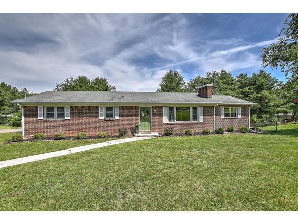 212 Redstone Dr, Bristol, TN 37620 (MLS #423055) :: Highlands Realty, Inc.