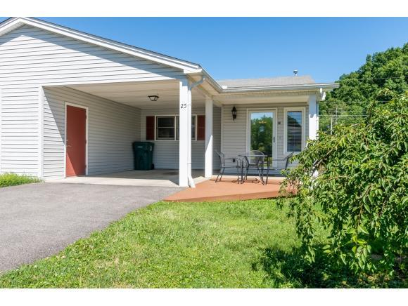 25 Aspen Circle #25, Bristol, VA 24201 (MLS #423099) :: Bridge Pointe Real Estate