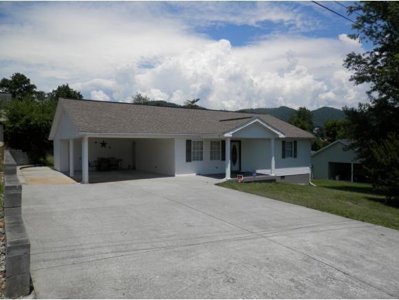 283 Church Avenue, Pennington Gap, VA 24277 (MLS #423730) :: The Baxter-Milhorn Group