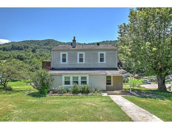 1252 West Jackson, Gate City, VA 24251 (MLS #423757) :: Bridge Pointe Real Estate