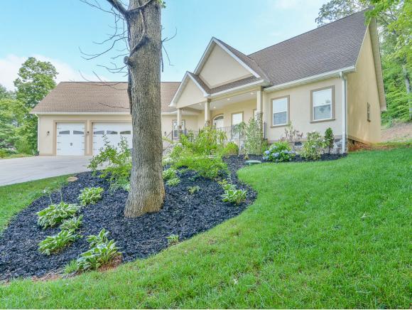 721 Powder Branch, Elizabethton, TN 37643 (MLS #423857) :: Highlands Realty, Inc.