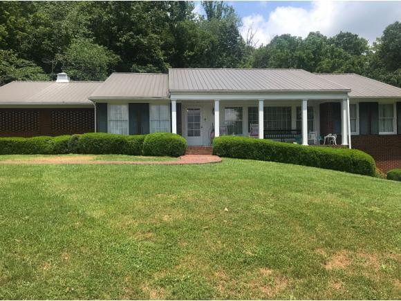 703 2nd Street NE, Coeburn, VA 24230 (MLS #424135) :: Highlands Realty, Inc.