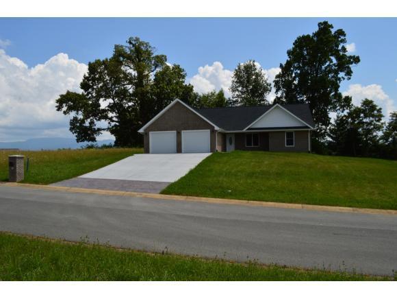 412 Garden Meadow Drive, Greeneville, TN 37745 (MLS #424212) :: Highlands Realty, Inc.