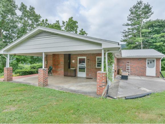 922 White Pine Lane, Gate City, VA 24251 (MLS #424273) :: Bridge Pointe Real Estate