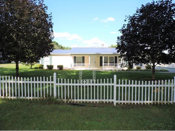 435 Williams Road E, Surgoinsville, TN 37873 (MLS #424698) :: Highlands Realty, Inc.